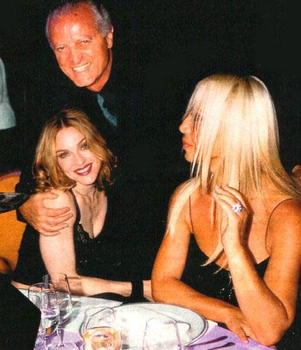 a33262177c Gianni Versace  Το φτωχόπαιδο του Νότου - μαικήνας της μόδας - Ήθελε ...