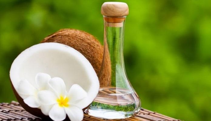 ... με υπέροχο άρωμα και πολλές ευεργετικές ιδιότητες είναι αυτό του ελαίου  καρύδας. Η χρήση του στην αντιμετώπιση της κυτταρίτιδας είναι πολύ απλή. b0beb7dbada