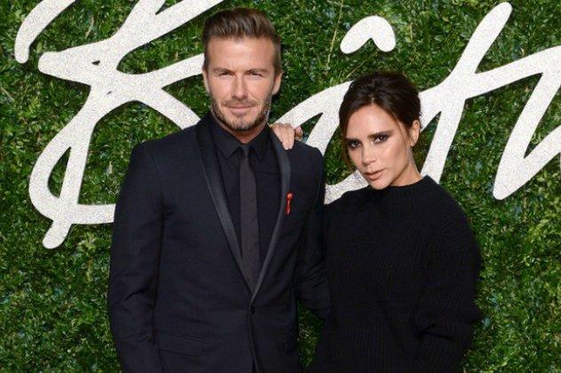 """Το εξώφυλλο του αμερικάνικου OK! δημοσίευσε τον """"χωρισμό"""" του David και της Victoria  Beckham ενώ στο άρθρο του υποστήριζε ότι έχουν χωρίσει εδώ και δύο ... 5997ab64af0"""