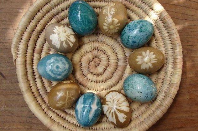Οι πιο πρωτότυποι τρόποι για να βάψετε τα πασχαλινά αυγά και να καταπλήξετε  τους πάντες με τη φαντασία σας!  9ff427be87b