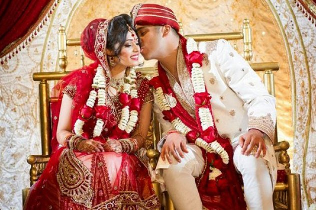 0064403328ca Τα πιο περίεργα γαμήλια έθιμα από τη μία άκρη της γης στην άλλη ...