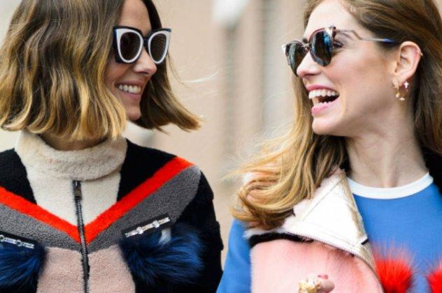 Δεν ταιριάζουν όμως όλα τα γυαλιά σε όλα τα πρόσωπα. Υπάρχουν γυαλιά που  ταιριάζουν αποκελιστικά σε στρογγυλά πρόσωπα και άλλα σε τετράγωνα. 49805568d4e
