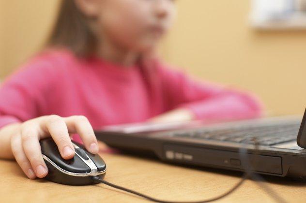 Αποτέλεσμα εικόνας για Βίντεο προειδοποιεί με τον πιο απλό τρόπο τα παιδιά για τους κινδύνους του διαδικτύου