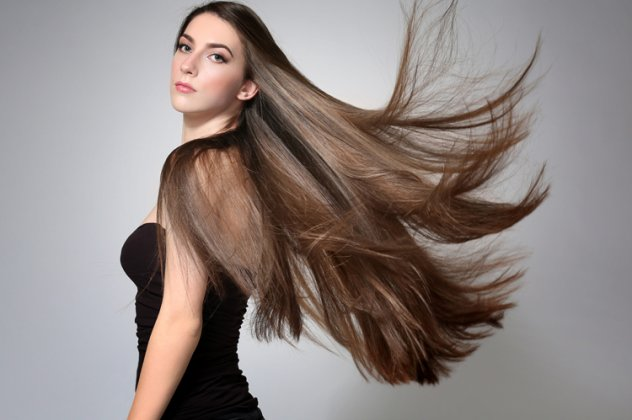 8 μαγικά τρικς για να πετύχετε το πιο τέλειο ίσιωμα στα μαλλιά σας όπως το  ονειρεύεστε!  f1b15233e90