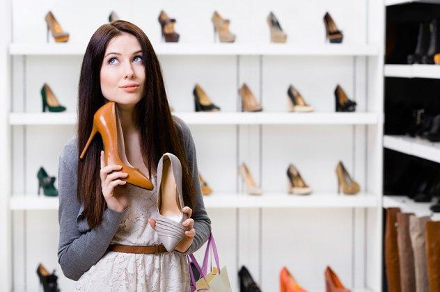 8 τρόποι για να γίνουν πιο άνετα τα στενά παπούτσια - Να πως μπορούν ... 0d7aa7f4ff6