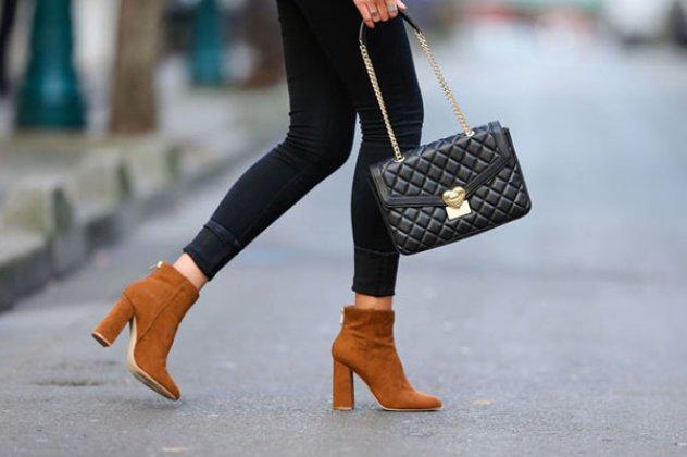 7d825f3c7c8 Τα μποτάκια και ιδιαίτερα τα ankle boots αποτελούν ένα από τα κορυφαία σε  προτιμήσεις παπούτσια τα τελευταία χρόνια. Μπορούν να φορεθούν από κάθε  γυναίκα, ...