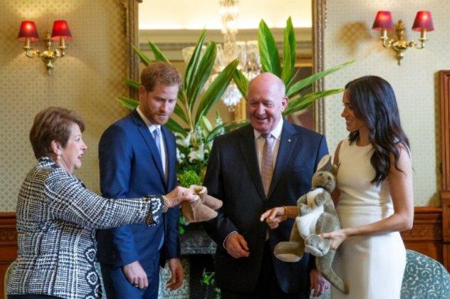 Η είδηση πως Χάρι και Μέγκαν περιμένουν το πρώτο τους παιδί ξάφνιασε  ευχάριστα τον Γενικό Κυβερνήτη της Αυστραλίας 560cbff7924
