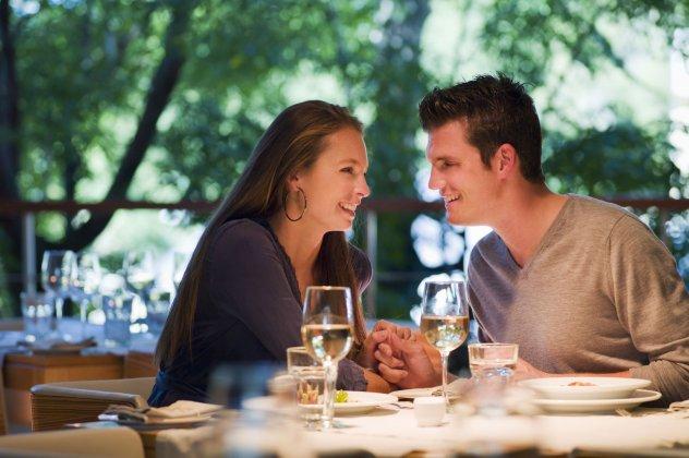 Dating να συναντήσεις την οικογένειά του