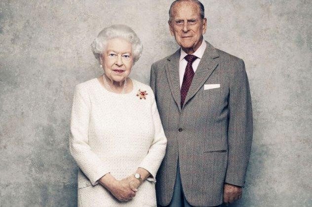 71 χρόνια μαζί & παντρεμένοι: Φωτό από τον γάμο της βασίλισσας Ελισάβετ με τον ...άτακτο Έλληνα πρίγκιπα Φίλιππο (βίντεο) | eirinika.gr