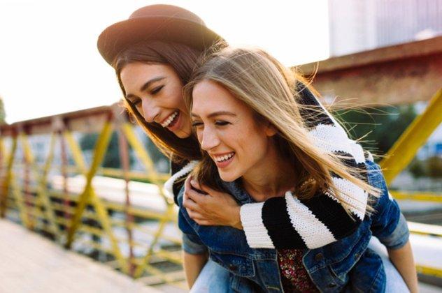 βγαίνω με κάποιον χωρίς φίλους. ιστοσελίδα γνωριμιών προπληρωμένης κάρτας