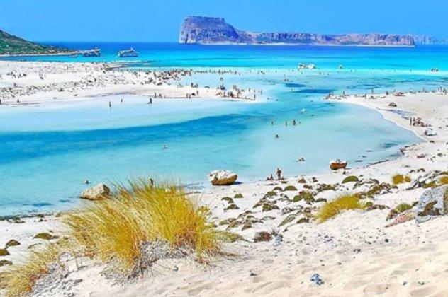 Μπάλος Κρήτης: Η παραμυθένια λιμνοθάλασσα με τη ροζ άμμο & τα ...
