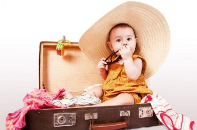 Θα πάτε διακοπές με το μωρό σας  Ιδού τι πρέπει να πάρετε και τι να ... c3bb48160c1