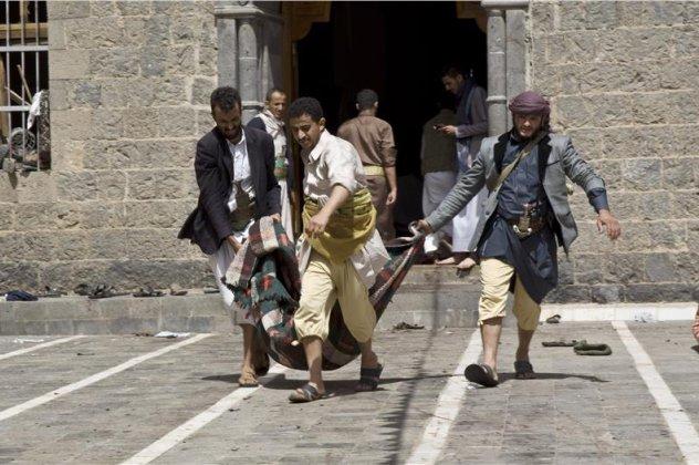3da0590d4c76 Λουτρό αίματος στην Υεμένη  142 νεκροί   350 τραυματίες μετά από ...