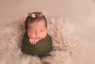 Φωτογραφίες νεογέννητων σε τρυφερές πόζες που θα σας κλέψουν την καρδιά - Κυρίως Φωτογραφία - Gallery - Video