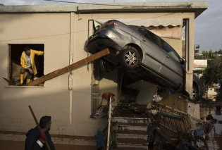 "Guardian: ""Η παράνομη οικοδόμηση έπαιξε καθοριστικό ρόλο στις πλημμύρες που σκότωσαν 20 ανθρώπους"" - Κυρίως Φωτογραφία - Gallery - Video"