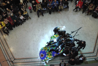 Εκπληκτικό βίντεο: 20 άτομα έπαιξαν στο ίδιο πιάνο & κατέρριψαν το παγκόσμιο ρεκόρ!  - Κυρίως Φωτογραφία - Gallery - Video