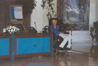 Vintage: Όταν ο Στίβεν Χόκινγκ επισκέφθηκε την Σάμο - Η μία και μοναδική επίσκεψη του top αστροφυσικού στην Ελλάδα (ΦΩΤΟ - ΒΙΝΤΕΟ) - Κυρίως Φωτογραφία - Gallery - Video