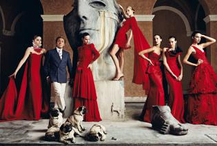 Vintage pic: O Valentino θυμάται το ωραιότερο ίσως κομμάτι της συλλογής του 1974-75- Φανταστικό! (ΦΩΤΟ) - Κυρίως Φωτογραφία - Gallery - Video