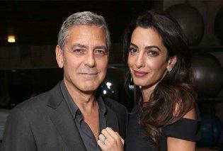 Η Amal και ο George Clooney κάνουν διακοπές με πεθερικά - Τους προσέχουν τα δίδυμα και το ζεύγος κάνει ρομαντικές εξόδους (Φωτό) - Κυρίως Φωτογραφία - Gallery - Video