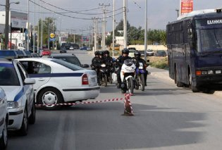 Άνω Λιόσια: Ρομά επιτέθηκαν και τραυμάτισαν αστυνομικούς επειδή τους έκαναν παρατήρηση - Έσπασαν και το περιπολικό - Κυρίως Φωτογραφία - Gallery - Video