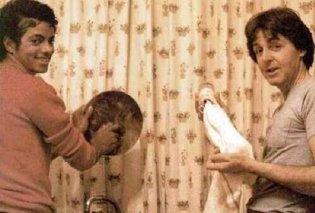 """Υπέροχες σπάνιες φωτό διασήμων απο το παρελθόν """"τρέλαναν"""" το instagram- Όταν ο Michael Jackson έπλενε πιάτα μαζί με τον Paul McCartney... - Κυρίως Φωτογραφία - Gallery - Video"""