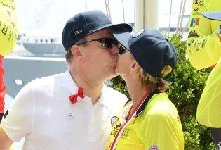 """Tρελά ερωτευμένος ο Πρίγκιπας Αλβέρτος του Μονακό δίνει """"καυτό"""" φιλί στην γυναίκα του Charlene (ΦΩΤΟ) - Κυρίως Φωτογραφία - Gallery - Video"""