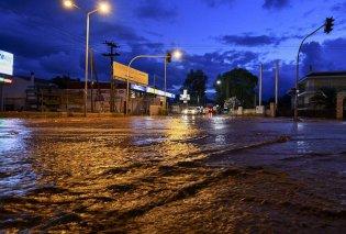 """Η """"Νεφέλη"""" πλήττει την χώρα & προκαλεί σοβαρά προβλήματα- Νέες πλημμύρες στη Μάνδρα- Καταστροφές σε Μαγνησία & Χαλκιδική- Κινδύνευσαν άνθρωποι (ΦΩΤΟ) - Κυρίως Φωτογραφία - Gallery - Video"""