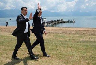 Υπερψηφίστηκε από την Επιτροπή της Βουλής των Σκοπίων η συμφωνία με την Ελλάδα- Επεισόδια μέσα & έξω από το Κοινοβούλιο - Κυρίως Φωτογραφία - Gallery - Video