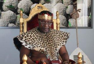 Αφρικανός Βασιλιάς βαπτίστηκε Χριστιανός Ορθόδοξος σε μονή του Αγίου Όρους (ΦΩΤΟ & VIDEO) - Κυρίως Φωτογραφία - Gallery - Video