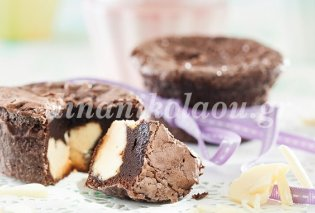 Σοκολατένια απόλαυση που σε ταξιδεύει - Σουφλέ σοκολάτα με καρδιά λευκή σοκολάτα από τη Ντίνα Νικολάου - Κυρίως Φωτογραφία - Gallery - Video