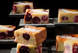 Πεντανόστιμο κέικ µε ανθότυρο και κεράσια από τον Στέλιο Παρλιάρο - Κυρίως Φωτογραφία - Gallery - Video