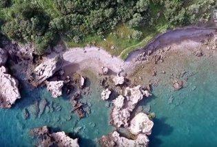 Η παραλία-πισίνα δίπλα στην Εθνική Οδό Αθηνών-Πατρών – Όταν η φύση έχει κέφια δημιουργεί τοπία μαγικά (Βίντεο) - Κυρίως Φωτογραφία - Gallery - Video