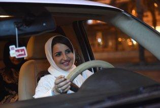 «Έτσι βίωσα την πρώτη φορά ως οδηγός» - Τι δήλωσε γυναίκα στη Σαουδική Αραβία για την ημέρα που επετράπη στις γυναίκες να πιάσουν τιμόνι - Κυρίως Φωτογραφία - Gallery - Video