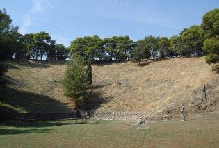 Το μεγαλοπρεπές αρχαίο θέατρο Μυτιλήνης - Mε χωρητικότητα 20.000 ατόμων - έγινε πρότυπο για τη Ρώμη - Κυρίως Φωτογραφία - Gallery - Video