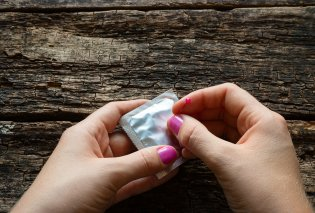 Έτοιμο το νέο προφυλακτικό: Σαν να μην φοράς τίποτα, από hydrogel, δημιουργεί λεπτό στρώμα, λιπαίνεται μόνο του - Κυρίως Φωτογραφία - Gallery - Video