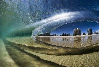 Η μαγεία της θάλασσας: Εκπληκτικά κύματα που «κόβουν» την ανάσα (Φωτό) - Κυρίως Φωτογραφία - Gallery - Video