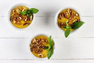 Γλυκός πειρασμός δια χειρός Άκη Πετρετζίκη - Υπέροχη Πανακότα με γιαούρτι και μέλι (βιντεο) - Κυρίως Φωτογραφία - Gallery - Video