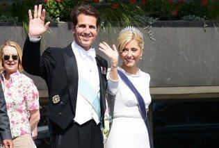 Ο Πρίγκηπας Παύλος φωτογραφίζει την αγαπημένη του Μαρί Σάνταλ με φόντο το ελληνικό δειλινό   - Κυρίως Φωτογραφία - Gallery - Video
