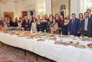 Βασιλικό δείπνο στο Λευκό Παλάτι του Βελιγραδίου με οικοδέσποινα την Ελληνίδα πριγκίπισσα Αικατερίνη και το σύζυγό της πρίγκιπα Αλέξανδρο (φωτό) - Κυρίως Φωτογραφία - Gallery - Video