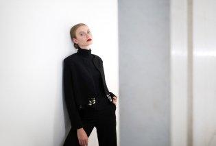 Made in Greece η The Line Project & η Λίλα Κουτσιουμάρη: Η σχεδιάστρια παίζει με τις λιτές γραμμές & δημιουργεί ρούχα για διαχρονικές εμφανίσεις - Κυρίως Φωτογραφία - Gallery - Video
