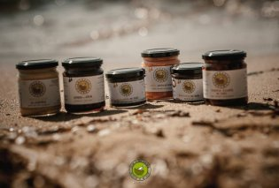 Made in Greece η Amvrosia Gourmet: Φρέσκα αρωματικά φυτά, πατέ, γλυκά αλείμματα… Τρόφιμα μεσογειακής διατροφής από μία ελληνική εταιρεία φτάνουν σε όλο τον κόσμο - Κυρίως Φωτογραφία - Gallery - Video