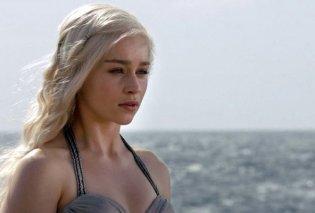 Η πιο σέξι γυναίκα της χρονιάς είναι: Η Emilia Clarke από το Game of Thrones- Ιδού γιατί (ΦΩΤΟ) - Κυρίως Φωτογραφία - Gallery - Video
