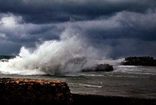 """Καιρός: Βροχές καταιγίδες και ισχυροί άνεμοι το σκηνικό του """"Ζορμπά"""" - Κυρίως Φωτογραφία - Gallery - Video"""