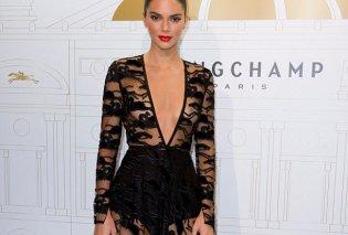 Kendall Jenner: Το πιο ακριβοπληρωμένο μοντέλο του κόσμου σε μια «βασιλική» εμφάνιση στο Παρίσι (Φωτό) - Κυρίως Φωτογραφία - Gallery - Video