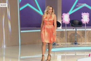 My Style Rocks: Το ζεστό φιλί της Κωνσταντίνας Σπυροπούλου στην πρεμιέρα  - Κυρίως Φωτογραφία - Gallery - Video