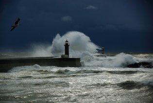 """""""Αγριο""""  το σκηνικό του καιρού - Καταιγίδες και ισχυροί άνεμοι σε όλη τη χώρα - Κυρίως Φωτογραφία - Gallery - Video"""