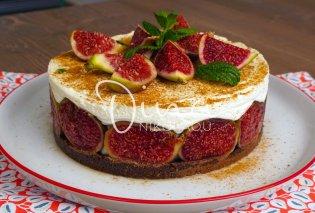 Η Ντίνα Νικολάου σου έχει το κατάλληλο επιδόρπιο για ένα καλό δείπνο: Cheesecake χωρίς ψήσιμο με φρέσκα σύκα - Κυρίως Φωτογραφία - Gallery - Video
