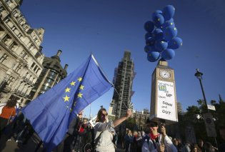 Λονδίνο: Η μεγαλύτερη διαδήλωση κατά του Brexit - Πάνω από μισό εκατ. πολίτες στους δρόμους (φώτο) - Κυρίως Φωτογραφία - Gallery - Video