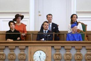 Οι δύο Πριγκίπισσες της Δανίας, Mary και Marie, σε σπάνια οικογενειακή εμφάνιση με τη Βασίλισσα Margrethe και τους γιους της (Φωτό) - Κυρίως Φωτογραφία - Gallery - Video