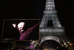 Ο Πύργος του Άιφελ ανέβασε τεράστιες οθόνες με εικόνες του Σαρλ Αζναβούρ - «Εθνικό» πένθος (Φωτό & Βίντεο) - Κυρίως Φωτογραφία - Gallery - Video
